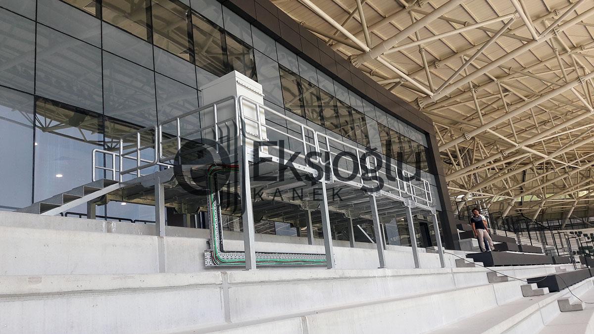 sakarya stadı şeref türübünü montajı
